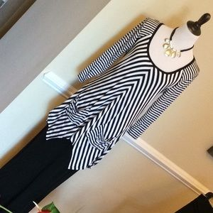 Grace black and white stripe tunic sz large
